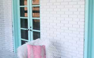 Покраска кирпичной стены на лоджии