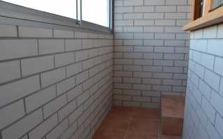 Покрасить кирпичную стену на балконе