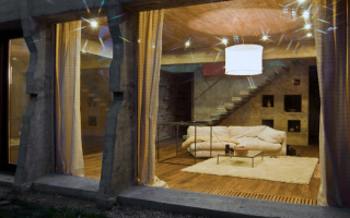 Внутренняя отделка деревом кирпичного дома